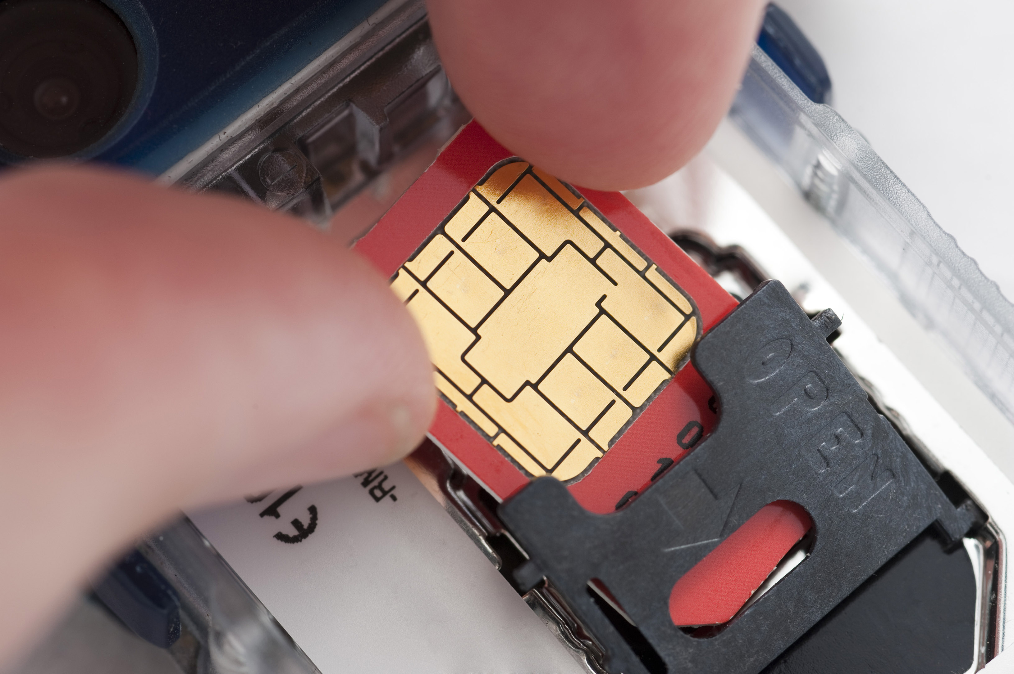inserting a sim into a mobile phone